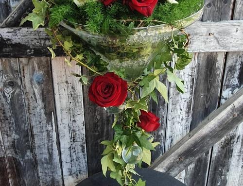 Vase Martini Roses et Lierre