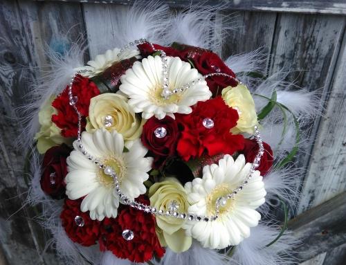 Bouquet de mariée plumes et strass