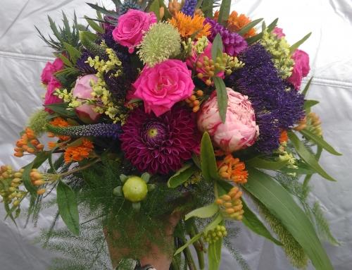 Bouquet de mariée champêtre coloré